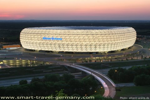 CONSTRUCCION - ESTADIO DE FUTBOL - Allianz Arena - Múnich - Alemania 2010.jpg